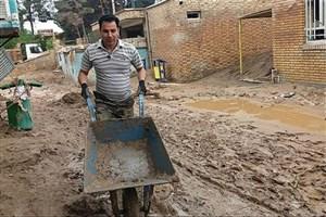 اجرای عملیات پاکسازی و لایروبی  پلدختر توسط دانشگاه آزاد اسلامی