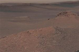 مریخ نورد کنجکاوی خاک مریخ را جمع آوری می کند