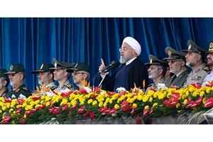 روحانی: ارتش 40 سال در کنار ولایت و مردم بوده است/ همه مردم کنار سپاه بودند و خواهند بود