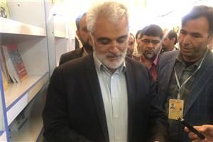 دکتر طهرانچی از نمایشگاه کتاب بازدید کرد