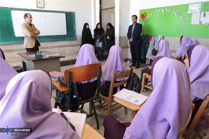 بازدید رئیس واحد دهاقان از مدارس سما دهاقان
