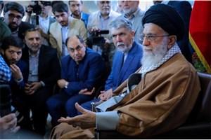 روایتی متفاوت و شنیده نشده از حضور رهبر انقلاب در نمایشگاه کتاب تهران