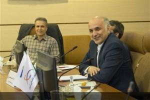 صمیمی: پژوهشگاه فضایی ایران عزم جدی برای توسعه دولت الکترونیک دارد