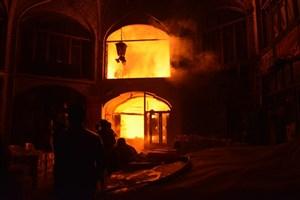 بازار سنتی تبریزآتش گرفت/مصدومیت 2 نفرو آسیب دیدگی آتش نشانان