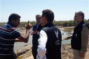 خدمترسانی قرارگاه جهادی دانشگاه آزاد در مناطق سیل زده خوزستان ادامه دارد/ توزیع 600 بسته غذایی خشک در میان روستاییان