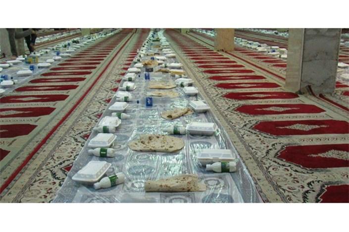مراسم افطار برای رانندگان تاکسی پایتخت