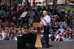 ترامپ دمکراسی آمریکا را تهدید می کند