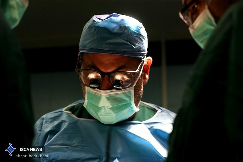 جراحی  عمل  پیوند کبد از دریچه دوربین