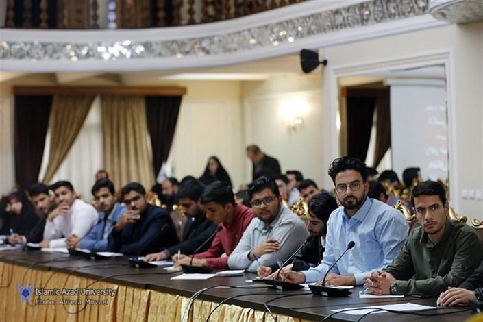 نشست صمیمانه دکتر طهرانچی با تشکلهای دانشجویی دانشگاه آزاد اسلامی برگزار شد