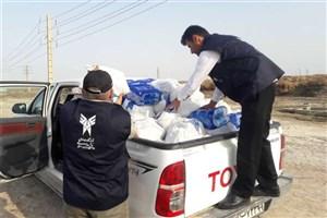 210 بسته غذایی رمضانیه در مناطق سیل زده خوزستان توزیع شد