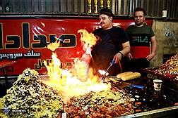 کوچه منوچهر خانی  بازار تهران  در شب های رمضان