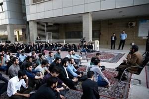 ضیافت افطار دانشجویی در مجتمع نیایش دانشگاه آزاد اسلامی واحد تهران مرکزی  برگزار شد