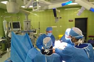 انجام اولین عمل تعویض مفصل زانو در بیمارستان فرهیختگان