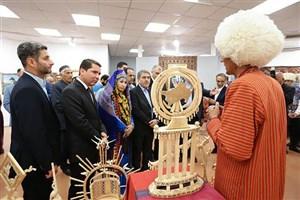 افتتاح نمایشگاه صنایع دستی و هنرهای تجسمی ترکمنستان+عکس