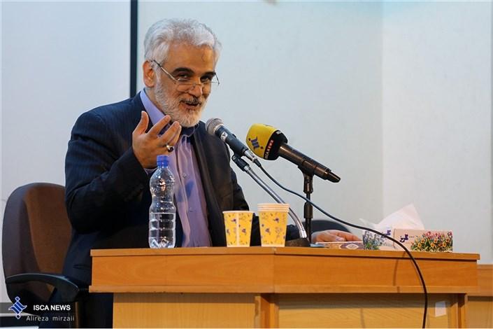 دیدار  صمیمانه دکتر طهرانچی با دانشجویان دانشگاه آزاد واحد مشهد