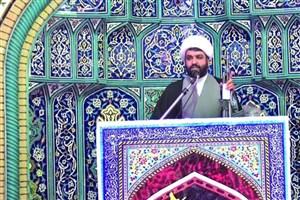 اگر این امام جمعه در خطبهها کتاب معرفی نکند، باید تعجب کرد