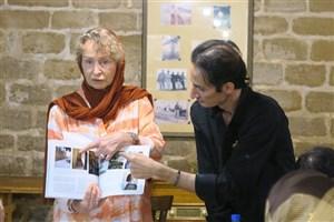 نویسنده و پژوهشگر آلمانی کتاب خود را به میراث فرهنگی خوزستان اهدا کرد