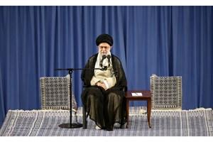 دولت سعودی امنیت و کرامت حجاج را تأمین کند/ دشمنان زانو خواهند زد