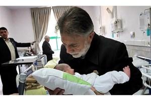 سنت فراموششده اذان گفتن به گوش نوزاد