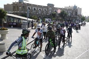 گردش درطهران قدیم/دوچرخه سواری خانوادگی دربافت تاریخی تهران