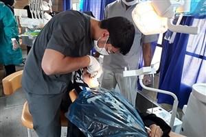 استقرار اتوبوس سیار دندانپزشکی دانشگاه آزاد اسلامی در مناطق سیلزده لرستان