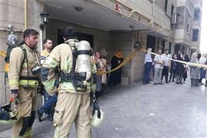 آتش سوزی دربرج ۱۰ طبقه/ 30 نفر حبس شدند+عکس