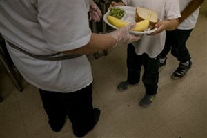 حذف غذای رایگانِ هزاران دانشآموز فقیر با طرح پیشنهادی دولت ترامپ