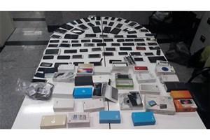 دستگیری مالخر گوشیهای مسروقه با ۱۰۰۰ دستگاه موبایل