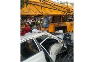 افتادن  جرثقیل بر سر خودروها در مشهد جان 4 نفر را گرفت/ 4 نفر مصدوم شدند