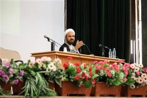 برگزاری کرسیهای آزاداندیشی با محوریت حجاب و عفاف سرلوحه کار مسئولان دانشگاه قرار گیرد