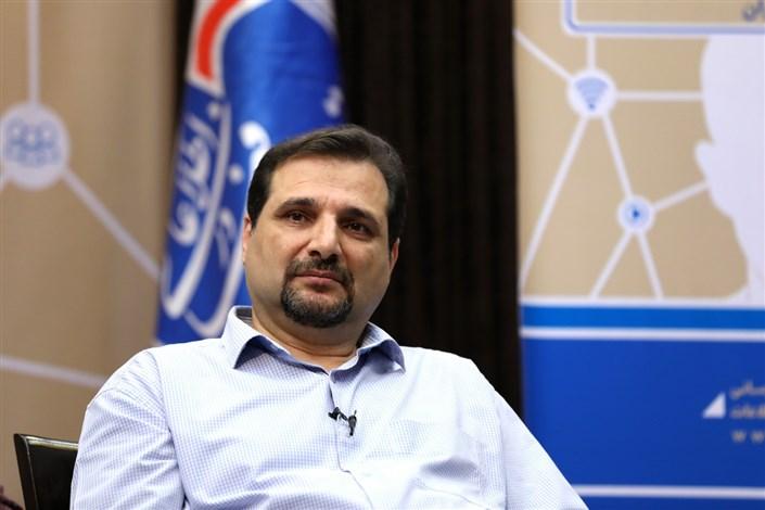 هومن عباسپور سر ویراستار نشر چشم