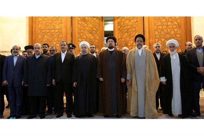 هیات دولت در مرقد امام