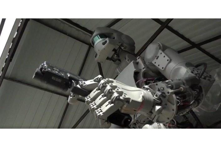ربات انسان نما2