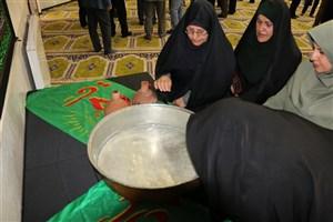 برگزاری مراسم سنتی طشتگذاری در مسجد واحد اردبیل
