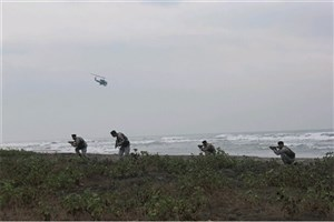 تصرف شناورهای دشمن و بازپسگیری سواحل توسط تکاوران نداجا