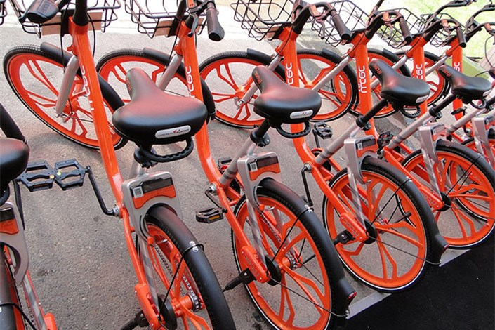 شهرداری به مدارس دوچرخه می دهد