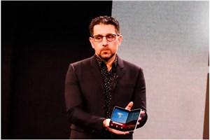 مایکروسافت گوشی تاشو خود را معرفی کرد