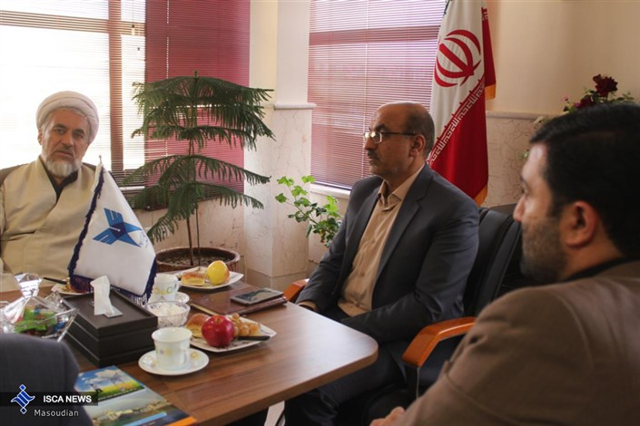 جلسه مشترک هیات رئیسه دانشگاه آزاد اسلامی شاهرود با فرمانده و اعضای بسیج دانشجویی استان سمنان