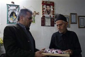 تجلیل از خانواده نخستین شهید دانشگاه آزاد اسلامی استان مرکزی