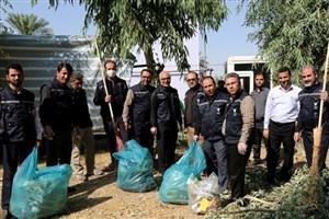 نظافت مسیر اربعین در شهرستان قصرشیرین و مرز خسروی با حضور دانشگاهیان واحد کرمانشاه