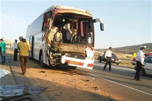 خروج اتوبوس از جاده سمنان/ 8  نفر مصدوم شدند