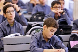 مدارس باید در انتخاب کتابهای درسی آزاد باشند / حق انتخاب والدین بین مدارس، رقابت سالم ایجاد میکند