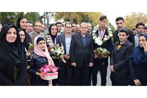 دانشجوی رشته حقوق واحد زنجان نشان بانوی شجاعت جهان را دریافت کرد