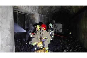 آتش سوزی وسیع  انبار در محمودیه/ مهار آتش با تلاش ۸ ساعته آتشنشانان
