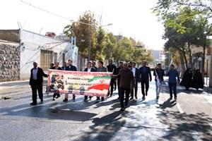 حضور پرشور دانشگاهیان واحد میانه در راهپیمایی یوم الله 13 آبان