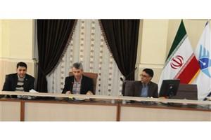 اولین جلسه شورای باشگاه پژوهشگران و نخبگان جوان دانشگاه آزاد استان لرستان برگزار شد