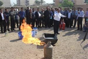 آموزش آخرین استانداردهای حراستی به بیش از ۳۰۰ کارمند دانشگاه آزاد اسلامی  استان خوزستان