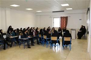 ضرورت وجود حجاب از دید منابع روایی و عقلی در کرسی آزاداندیشی دانشجویان بررسی شد