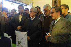 بازدید دکتر طهرانچی از نمایشگاه دستاوردهای پژوهشی استان مازندران