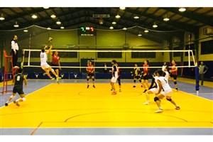 راهیابی چهار تیم  به مرحله نیمه نهایی مسابقات والیبال دانشجویان دانشگاه آزاد